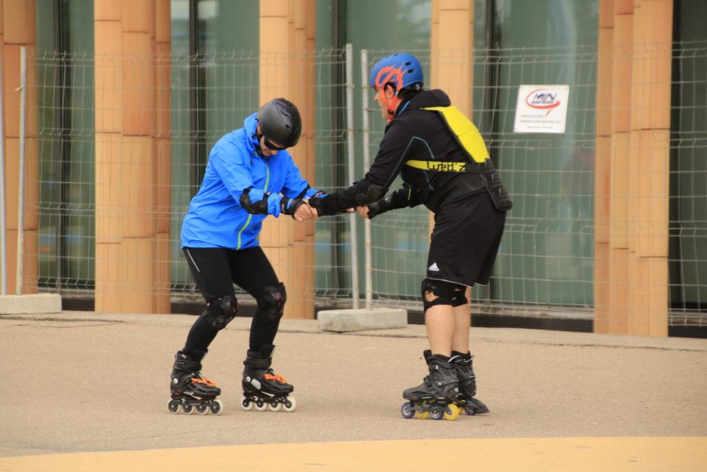 escuela de patinaje en parque venecia zaragoza niños y adultos